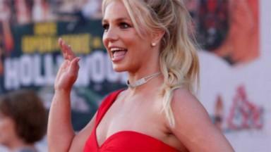 Britney Spears dando tchauzinho