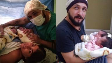 Raquel Pacheco, a Bruna Surfistinha, ao lado de Xico Santos e das gêmeas Elis e Maria no dia do parto. E o pai aparece em foto ao lado, de gorro, segurando as filhas
