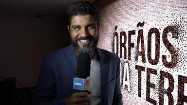 Bruno Cabrerizo com o microfone na mão
