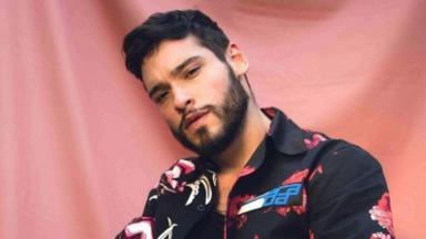 Bruno Fagundes estreia como diretor com o clipe da música Fica, de Gabriel Maqui