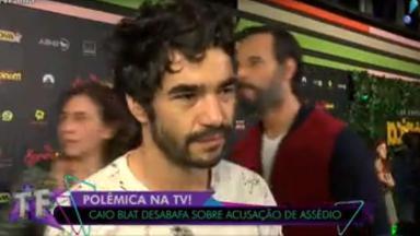 """Caio Blat dando entrevista ao """"TV Fama"""""""