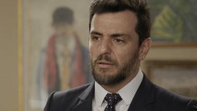 Rodrigo Lombardi com expressão de surpresa em A Força do Querer