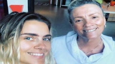 Carolina Dieckmann perdeu a mãe há 8 meses