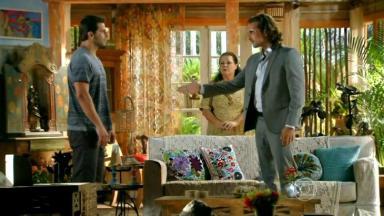 Alberto e Cassiano em cena na novela Flor do Caribe