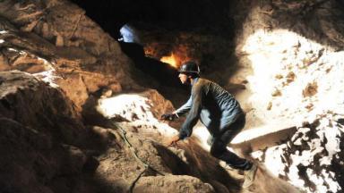 Cassiano escalando minas em Flor do Caribe