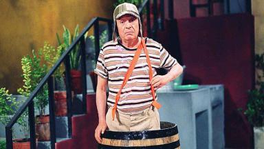 """Chaves é chamado no Twitter de """"criança em situação de barril"""""""