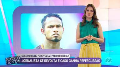 Chris Flores comentando o caso do goleiro Bruno durante o Fofocalizando