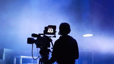 Silhueta de cinegrafista