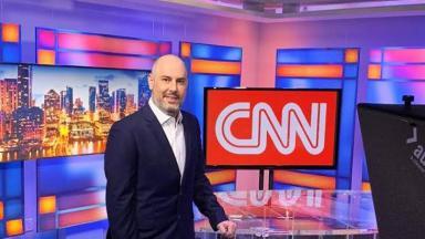 Douglas Tavolaro no estúdio da CNN Brasil