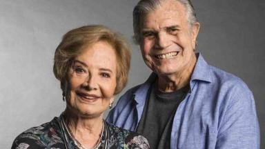 Gloria Menezes e Tarcísio Meira posados para foto