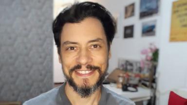 Cristiano Garcia sorrindo