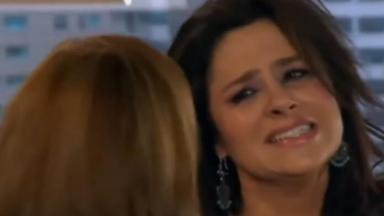 Cristina com cara de desespero em Amores Verdadeiros