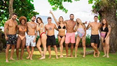 Participantes do De Férias com o Ex Brasil, de bermuda e biquíni