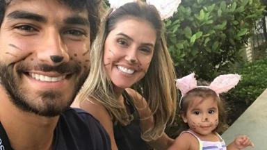 Hugo, Deborah e a filha Maria Flor