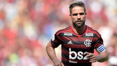 Diego Ribas em campo pelo Flamengo