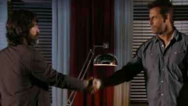 Dom Rafael e Cassiano apertam as mãos