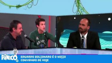 André Marinho e Eduardo Bolsonaro no programa Pânico, da Jovem Pan