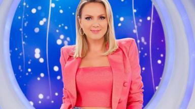 Eliana no palco do seu programa