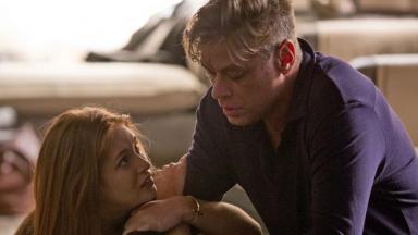 Eliza e Arthur em Totalmente Demais