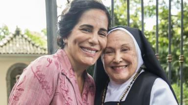 Glória Pires e Nicette Bruno em cena de Éramos Seis, na Globo