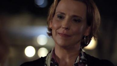Ana Beatriz Nogueira em cena da novela A Vida da Gente, em reprise na Globo