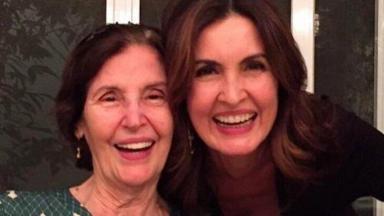 Eunice e Fátima Bernardes sorrindo para foto