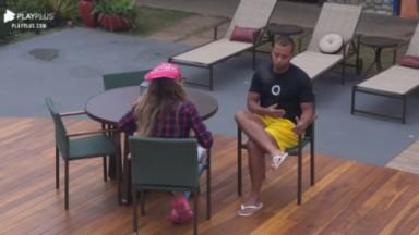 Mussunzinho e Erika conversando