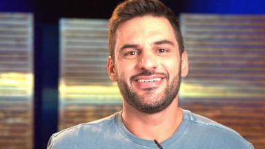 Felipe André sorrindo
