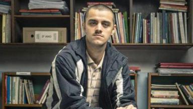 Felipe Simas em Segunda Chamada