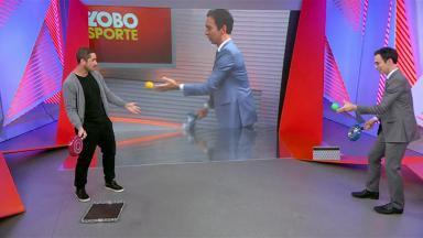 Felipe Andreoli e César Tralli brincam no Globo Esporte