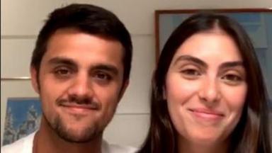 Felipe Simas e a esposa