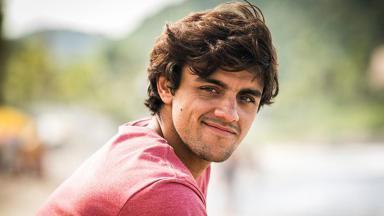 O ator Felipe Simas
