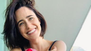 Fernanda Vasconcellos sorrindo