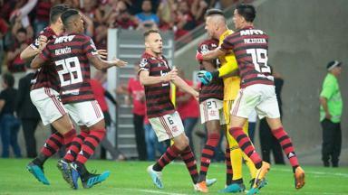 Jogadores do Flamengo comemorando
