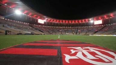 Maracanã com símbolo do Flamengo