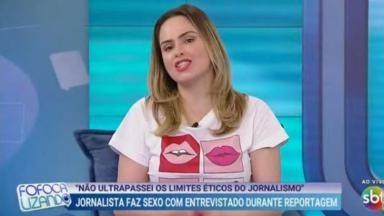 Ana Paula Renault está no estúdio do Fofocalizando