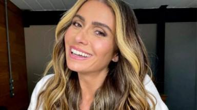 Giovanna Antonelli sorrindo em foto