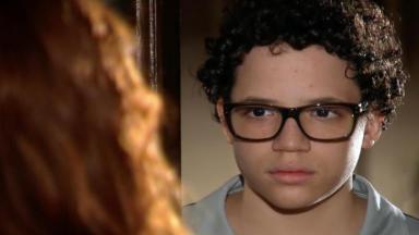 Francisco com cara de sério olhando pra Nanda