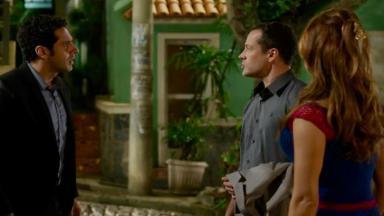 Beto discutindo com Apolo por causa de Tancinha