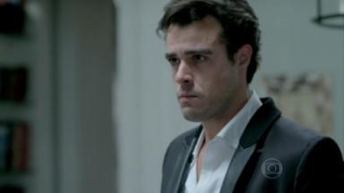 Enrico com cara de choro