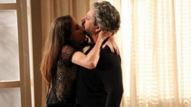 Cena de Império com Cora beijando José Alfredo