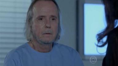 Severo sentado no hospital