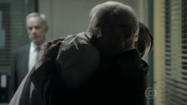 Silviano abraçando Maurílio