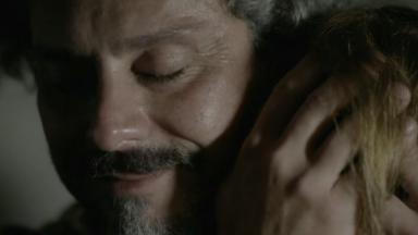 José Alfredo se abraçam, emocionados