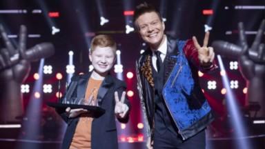 Michel Teló ao lado do campeão The Voice Kids