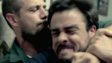 Vicente dando chave de braço em Enrico