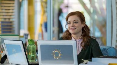 Atriz Jane Levy na nova série do Globoplay