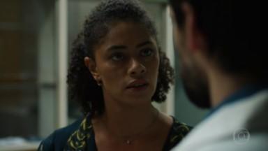 Ana Flavia Cavalcanti atuando na série Sob Pressão