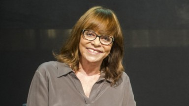 Gloria Perez sorrindo