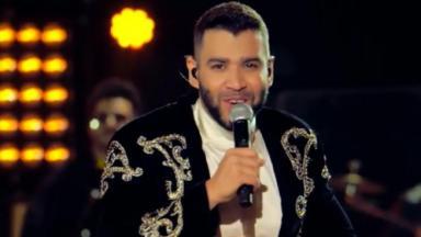 Gusttavo Lima cantando